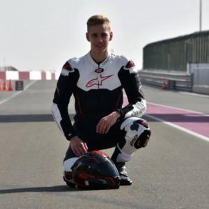 Hatalmas lehetõség kapujához ért Katarban a 220 Volt H-Moto Team fiatal versenyzõje kép